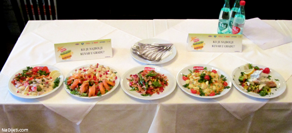 moja salata je u sredini